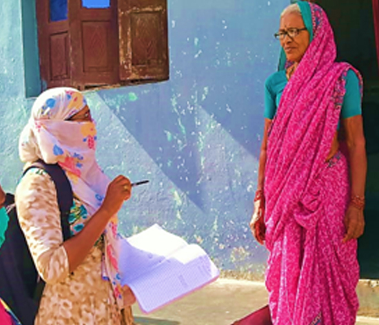 Volunteer and ASHA worker understanding the elder's requirement during lockdown, at Mul, Chandrapur