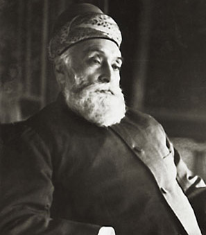 Jamsetji Tata passes away leaving behind his dreams of a modern steel plant, a hydroelectric power plant and a university of science that will be fulfilled by his sons